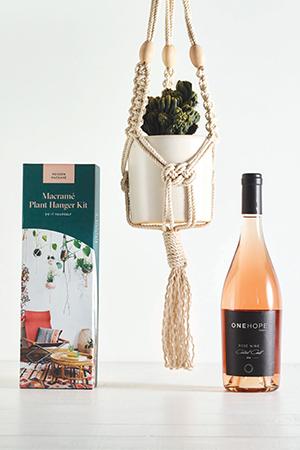 Rosé & Macrame Gift Box
