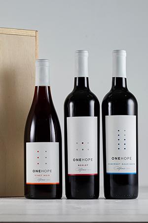 3-Bottle Wood Gift Box - Cabernet Sauvignon, Merlot & Pinot Noir