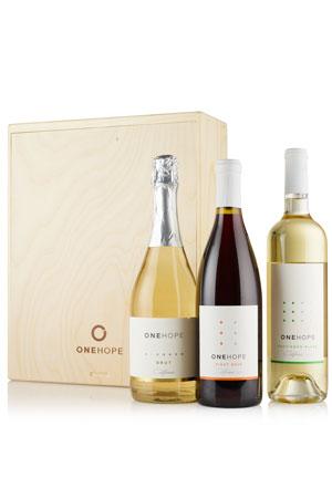 3-Bottle Wood Gift Box - Sparkling Brut, Sauvignon Blanc & Pinot Noir